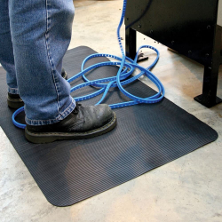 Tapis mousse strié usage intensif
